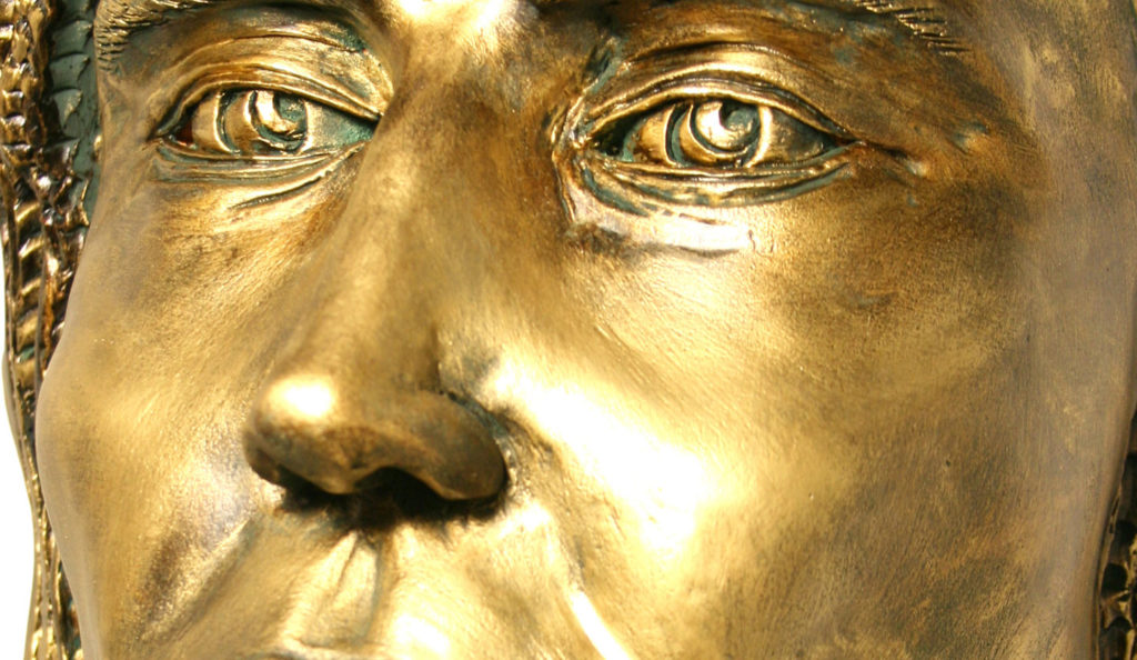 Cassandra (Chamota esmaltada en bronce)