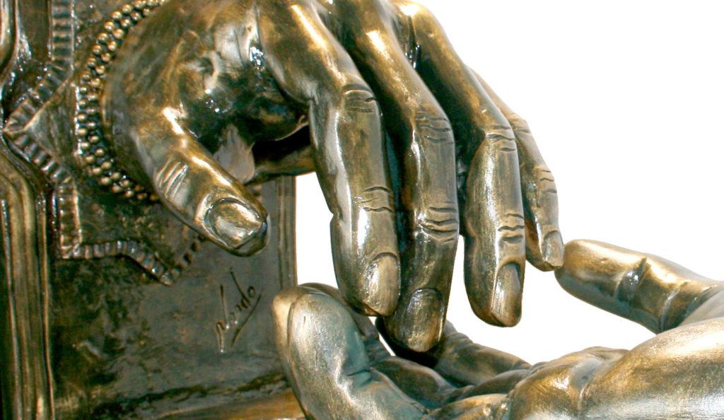 Amantes (Chamota esmaltada en bronce)