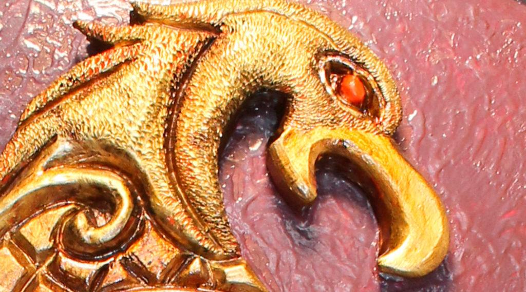 Águila celta (Gres y madera)
